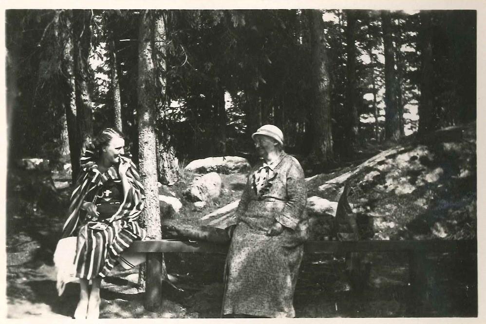 Vierailijoita Vuohensaaressa 1930-luvulla Kuva: Salon historiallinen museo